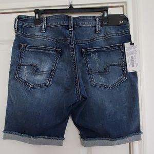 Nwt Silver jeans Allan shorts size 34